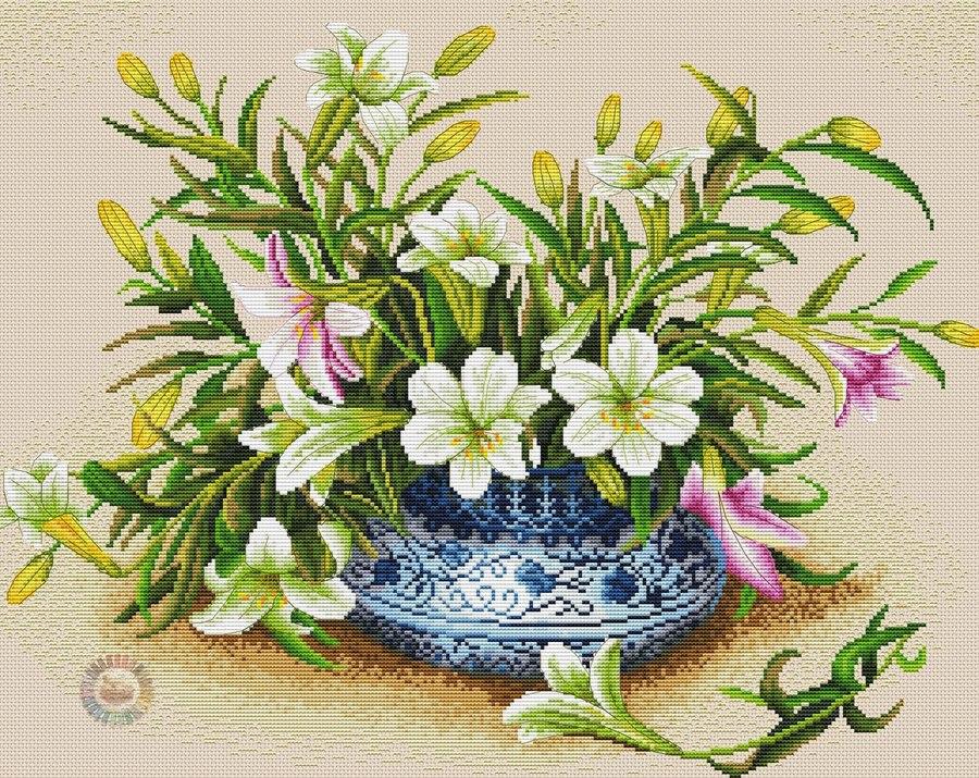 Красивейшие цветы в вышивках